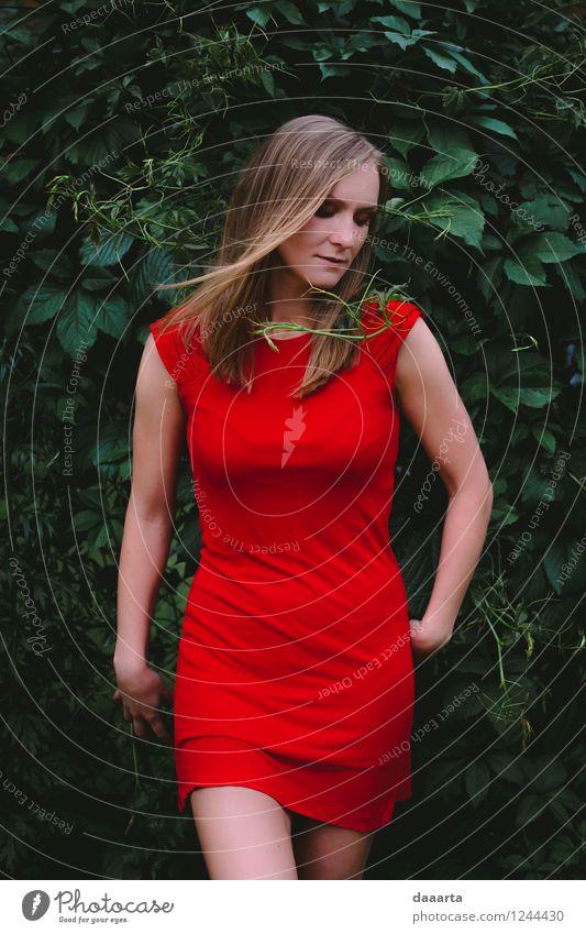 Femme Fatale Lifestyle elegant Stil Freude Leben harmonisch Erholung Freizeit & Hobby Sommer Flirten Kleid rotes Kleid außergewöhnlich positiv rebellisch Wärme