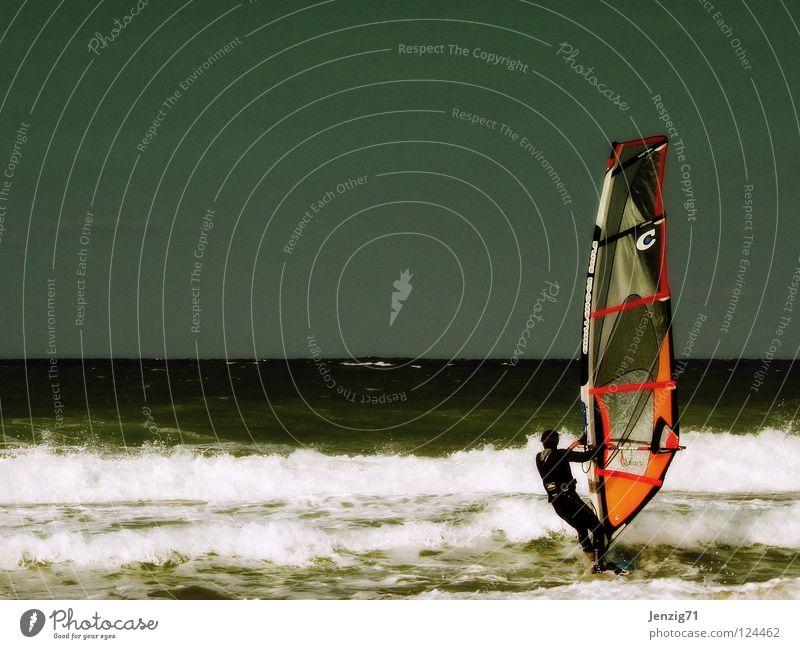 surfin' Meer Strand Ferien & Urlaub & Reisen Surfen Surfer Surfbrett Wellen Wassersport Sommer Sport Spielen Segel board Himmel