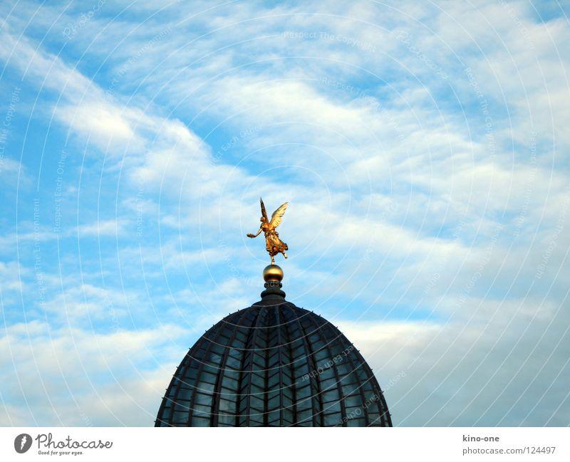 Zitronenpresse Zitruspresse Dresden Dach Kuppeldach historisch Engel Himmel blau gold HfbK