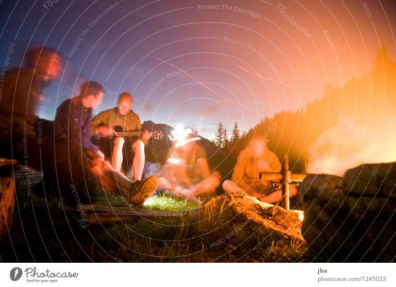 Lagerfeuer 2 harmonisch Zufriedenheit Erholung Freizeit & Hobby Freiheit Sommer maskulin Freundschaft Jugendliche Menschengruppe 18-30 Jahre Erwachsene Natur