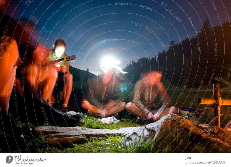 Lagerfeuer 1 harmonisch Zufriedenheit Erholung Freizeit & Hobby Freiheit Sommer maskulin Freundschaft Jugendliche Menschengruppe 18-30 Jahre Erwachsene Natur