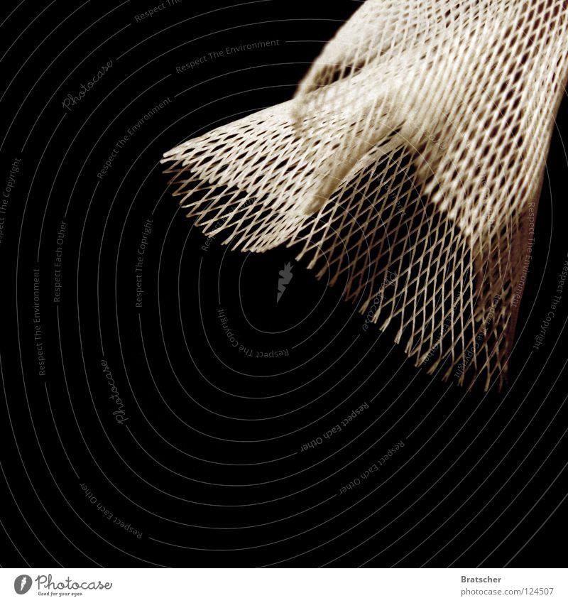 Mt 27,51 Kruzifix kreuzigen Vorhang Zerreißen Fischernetz Bibel Öffentlicher Dienst schwarz Wunder Sozialer Dienst Vergänglichkeit Karfreitag Tod Netz Wind