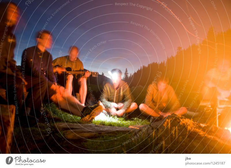 Lagerfeuer 4 Wohlgefühl Erholung Freizeit & Hobby Freiheit Berge u. Gebirge Polterabend Feuerstelle Lagerfeuerstimmung maskulin Freundschaft Jugendliche