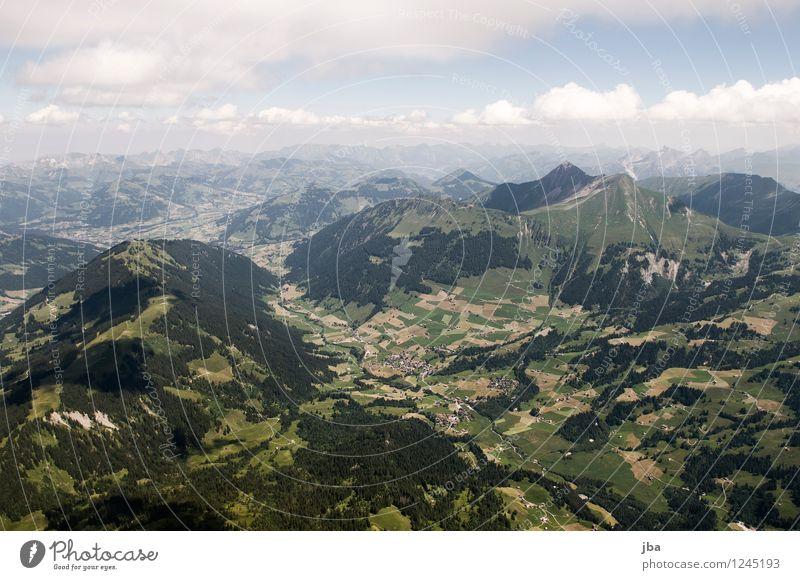 Lauenen Himmel Natur Sommer Erholung Landschaft ruhig Ferne Berge u. Gebirge Wärme Sport Freiheit fliegen Lifestyle Zufriedenheit Freizeit & Hobby Luft
