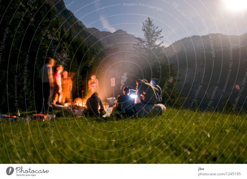 Lagerfeuer 5 Zufriedenheit Erholung Freizeit & Hobby Freiheit Berge u. Gebirge Polterabend maskulin Freundschaft Jugendliche Menschengruppe 18-30 Jahre