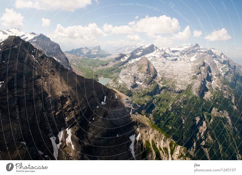 Spitzhorn Nordwand Lifestyle Zufriedenheit Erholung ruhig Freizeit & Hobby Ausflug Ferne Freiheit Sommer Berge u. Gebirge Sport Gleitschirmfliegen Sportstätten