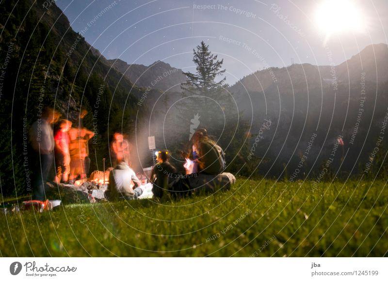 Lagerfeuer 6 Natur Jugendliche Sommer Erholung 18-30 Jahre Erwachsene Berge u. Gebirge Wiese Gras Freiheit Menschengruppe Freundschaft maskulin Zufriedenheit