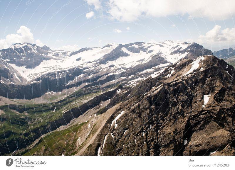 Das Spitzhorn Natur Sommer Erholung ruhig Berge u. Gebirge Sport Freiheit fliegen Lifestyle Felsen Zufriedenheit Freizeit & Hobby wild Luft Luftverkehr hoch