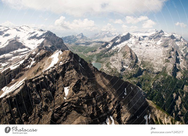 Spitzhorn Lifestyle Wohlgefühl Zufriedenheit Erholung ruhig Freizeit & Hobby Ausflug Ferne Freiheit Sommer Berge u. Gebirge Sport Gleitschirm Gleitschirmfliegen