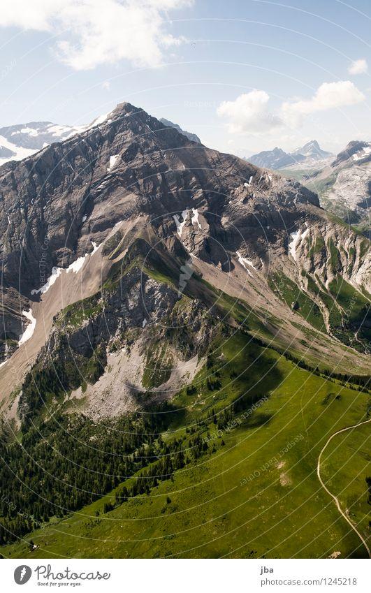 vor dem Spitzhorn Lifestyle Wohlgefühl Zufriedenheit Erholung ruhig Freizeit & Hobby Ausflug Freiheit Sommer Berge u. Gebirge Sport Bergsteigen