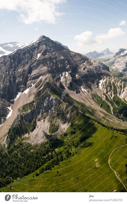 vor dem Spitzhorn Natur Sommer Erholung ruhig Berge u. Gebirge Sport Freiheit fliegen Lifestyle Felsen Zufriedenheit Freizeit & Hobby Luft Luftverkehr Ausflug