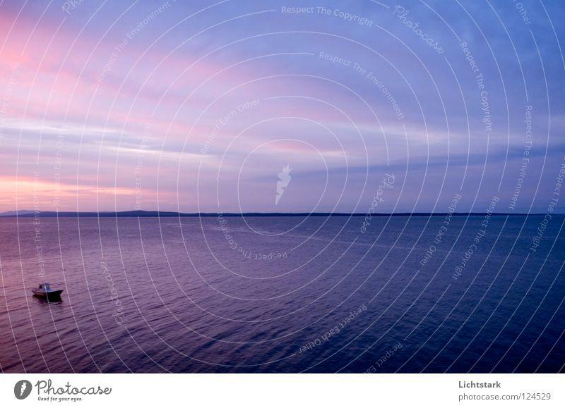 fluchtpunkt Himmel Farbe Wasser Sonne Meer ruhig Arbeit & Erwerbstätigkeit Wasserfahrzeug Wellen Kraft hören Kroatien Fischer Fischerboot Adria Mittelmeer