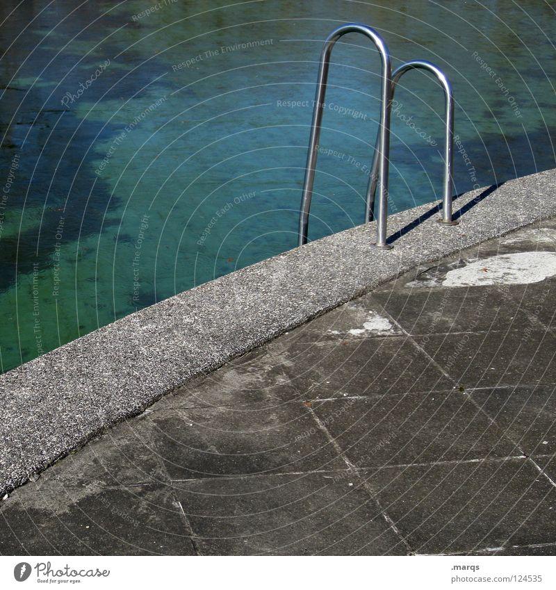 Coming Season alt blau Wasser grün Sommer Freude Einsamkeit grau Metall Freizeit & Hobby Beton rund Bad Schwimmbad verfallen Geländer