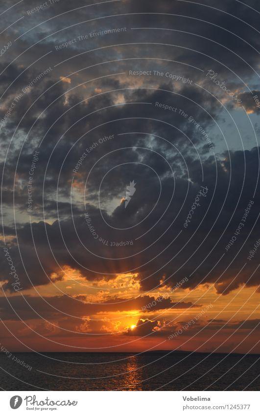 Sonnenuntergang am Meer Landschaft Luft Wasser Wolken Sonnenaufgang Sonnenlicht Wetter Küste blau braun mehrfarbig gelb gold grau orange rot schwarz Romantik