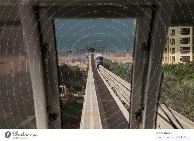 und tschüss Ferien & Urlaub & Reisen Tourismus Ausflug Sightseeing Dubai Stadtrand Hotel Atlantis the Palm Schienenverkehr Hochbahn Schienenfahrzeug Monorail