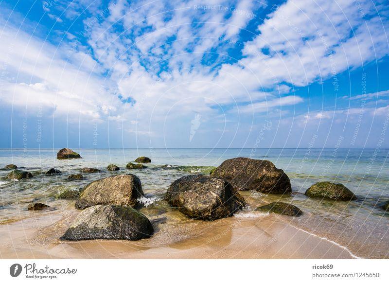 Ostseeküste auf Rügen Natur Ferien & Urlaub & Reisen Erholung Meer Landschaft Wolken Strand Küste grau Stein Felsen Idylle Schönes Wetter Romantik