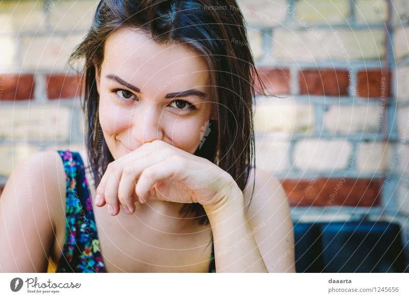 E Líz flirtet Freude schön Leben harmonisch Erholung Freizeit & Hobby Ausflug Abenteuer Freiheit Sommer Flirten feminin Junge Frau Jugendliche Lächeln Wärme