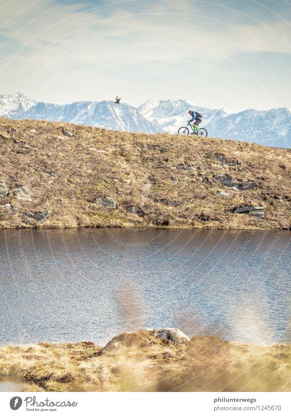 Wettrennen Tourismus Ausflug Abenteuer Expedition Fahrradtour Sommer Berge u. Gebirge Sport Radrennen Umwelt Natur Landschaft Himmel Schönes Wetter Gras Moos