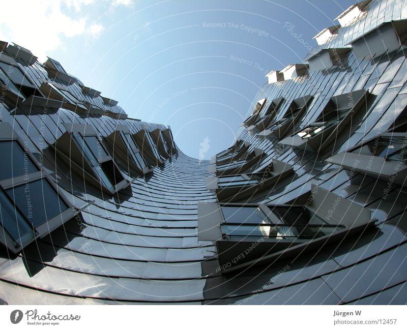 Gehry-Bauten Himmel Haus Architektur hoch Hafen Stahl Neigung Düsseldorf krumm Portwein Zollhof Gehry Bauten