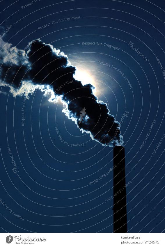 Nachts, wenn alles schläft... dunkel Industrie Fabrik geheimnisvoll Abgas Schornstein Wasserdampf Mannheim Luftverschmutzung