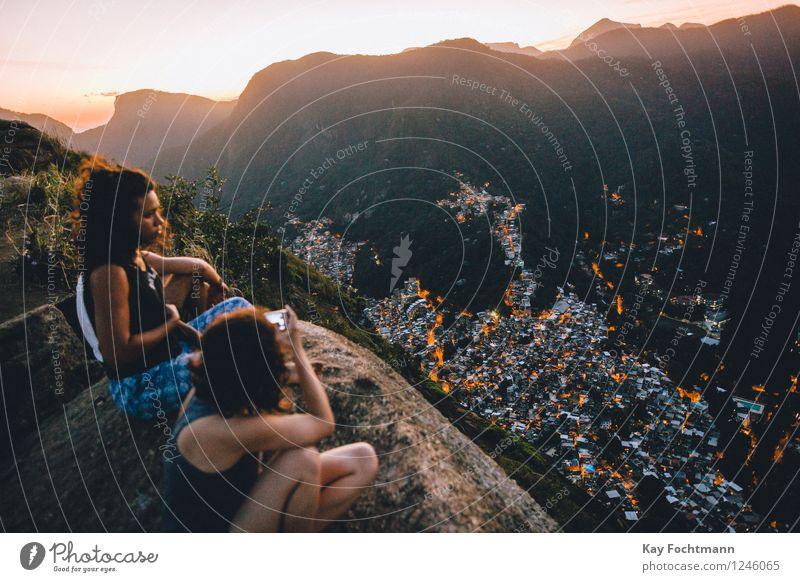 ° Mensch Natur Ferien & Urlaub & Reisen Jugendliche Junge Frau Erholung Landschaft Freude Ferne 18-30 Jahre Erwachsene Umwelt Leben feminin Glück Freiheit