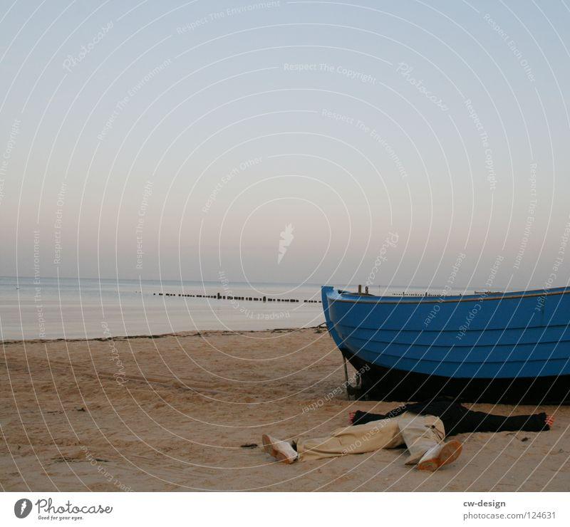 250th - chillen in front of the boot Mann Wasser blau Ferien & Urlaub & Reisen Meer Strand Haus Erholung Leben Tod Sand träumen See Wasserfahrzeug Raum