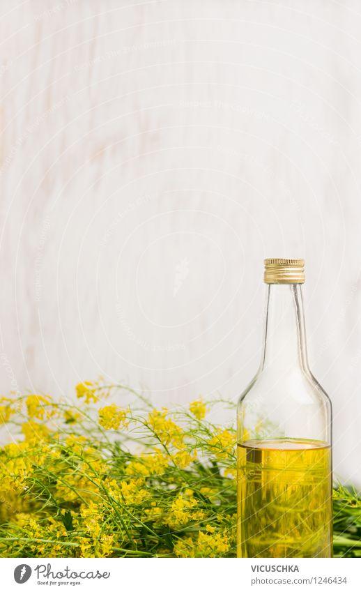 Raps Öl in Flasche auf weißem Holz Hintergrund Natur Gesunde Ernährung gelb Leben Blüte Stil Essen Hintergrundbild Foodfotografie Lebensmittel Design frisch