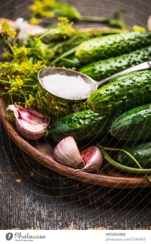 Einlegegurken Natur Gesunde Ernährung Leben Stil Garten Lebensmittel Design Tisch Kräuter & Gewürze Küche Gemüse Bioprodukte Teller Schalen & Schüsseln Diät