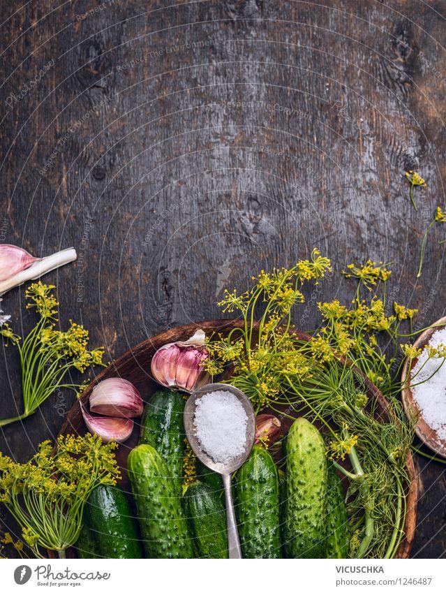 Gurken einlegen Lebensmittel Gemüse Kräuter & Gewürze Ernährung Bioprodukte Vegetarische Ernährung Diät Teller Schalen & Schüsseln Löffel Stil Design