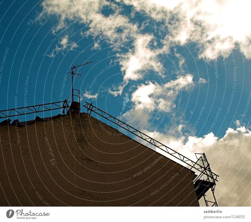 Himmel Wolken Haus Fassade Dach Baugerüst Antenne Architektur Schornstein Rüstung