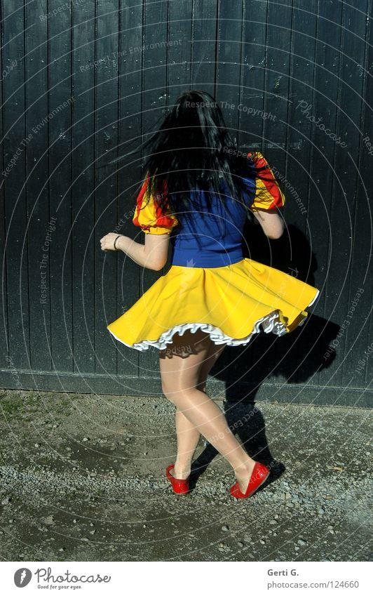 peppy Schneewittchen Märchen Mädchen schwarz mehrfarbig Frau Kleid Fröhlichkeit schwarzhaarig langhaarig Holz Drehung drehen Schwung Swing Strumpfhose
