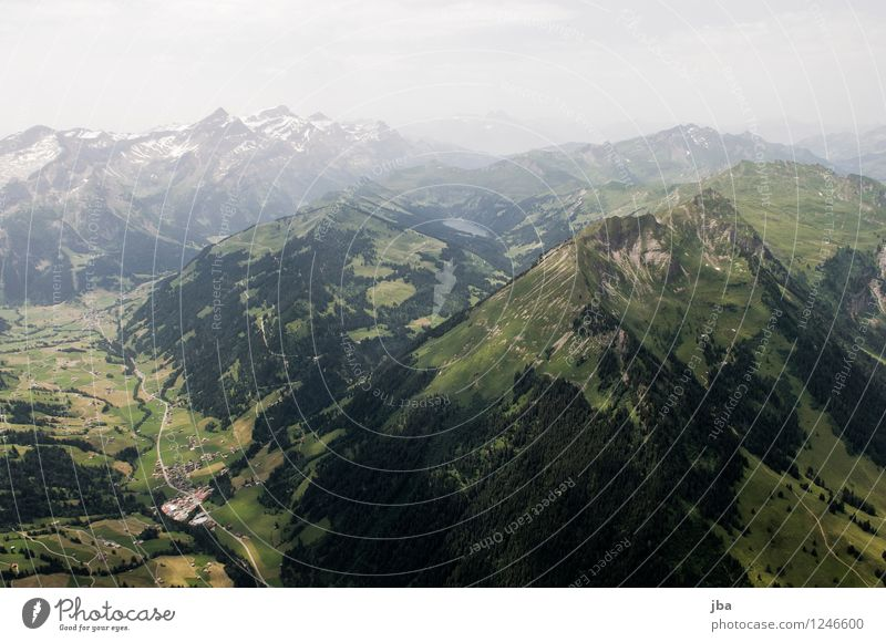 Arnensee Lifestyle Wohlgefühl Zufriedenheit Erholung ruhig Ausflug Freiheit Sommer Berge u. Gebirge Sport Gleitschirmfliegen Sportstätten Natur Landschaft