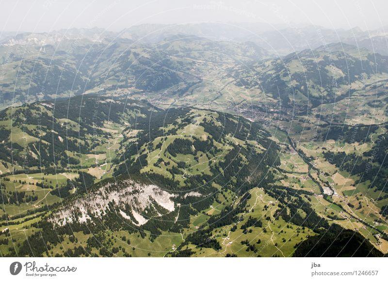 trübes Gstaad Himmel Natur Sommer Erholung Landschaft ruhig Ferne Berge u. Gebirge Sport Freiheit fliegen Lifestyle Zufriedenheit Freizeit & Hobby Luft