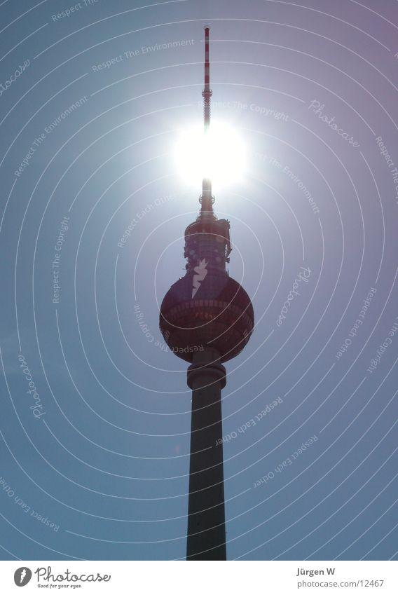 Strahlend Himmel blau Sonne Berlin Architektur hoch Hauptstadt Berliner Fernsehturm Antenne Deutschland