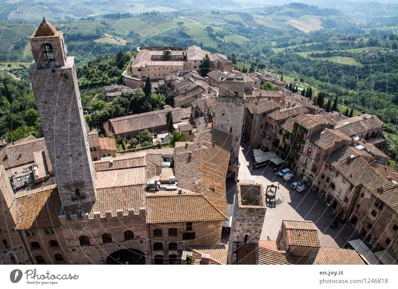 San Gimignano Ferien & Urlaub & Reisen Stadt Sommer Landschaft Haus Ferne Wald Umwelt Feld Tourismus hoch Ausflug Italien Dach Turm historisch
