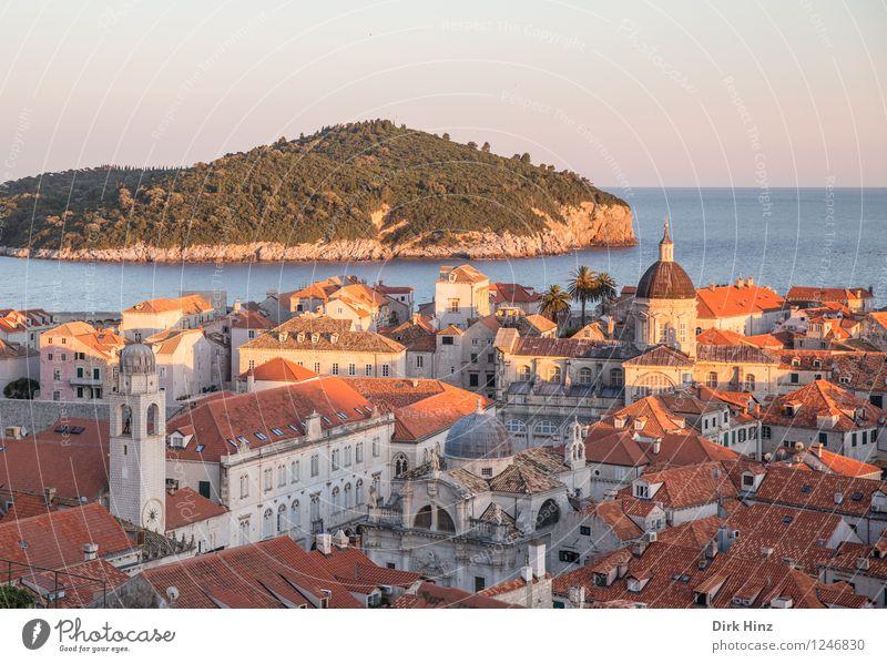 Old Town - Dubrovnik Ferien & Urlaub & Reisen Stadt alt blau Haus Gebäude grau Stimmung Horizont orange Tourismus Aussicht Kirche Dach historisch Vergangenheit