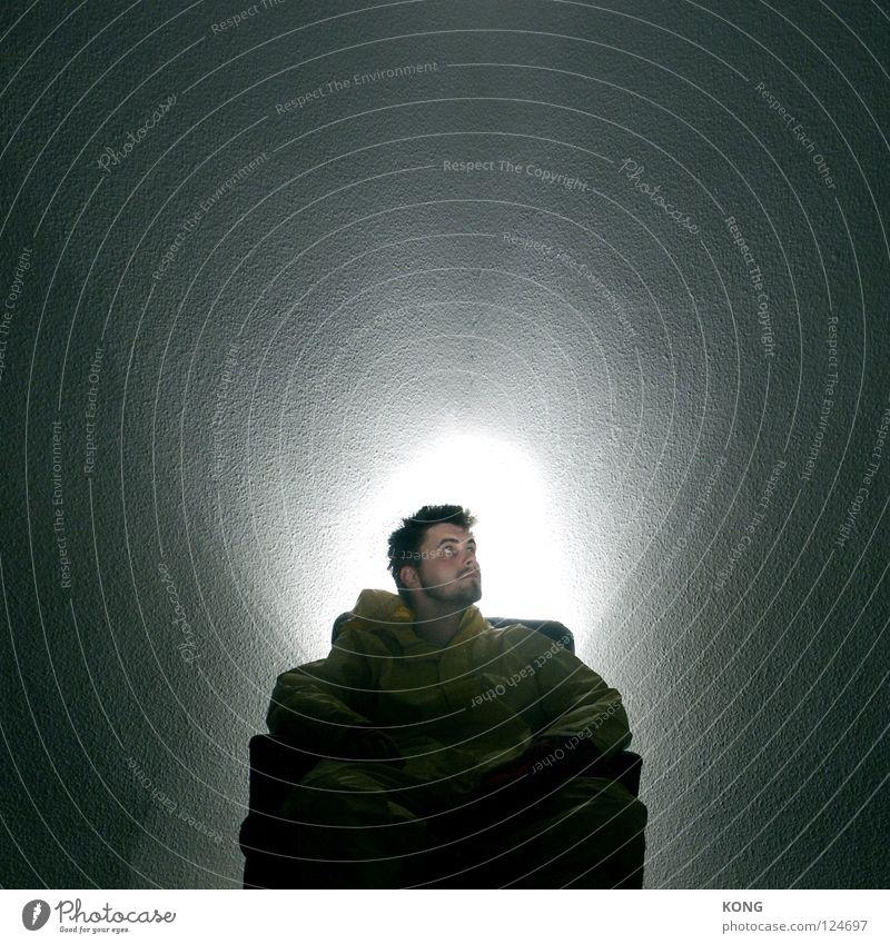 st. frood Mann dunkel Religion & Glaube Kraft Konzentration heilig Glaube grell Halo halbdunkel Heiligenschein Junger Mann Licht & Schatten