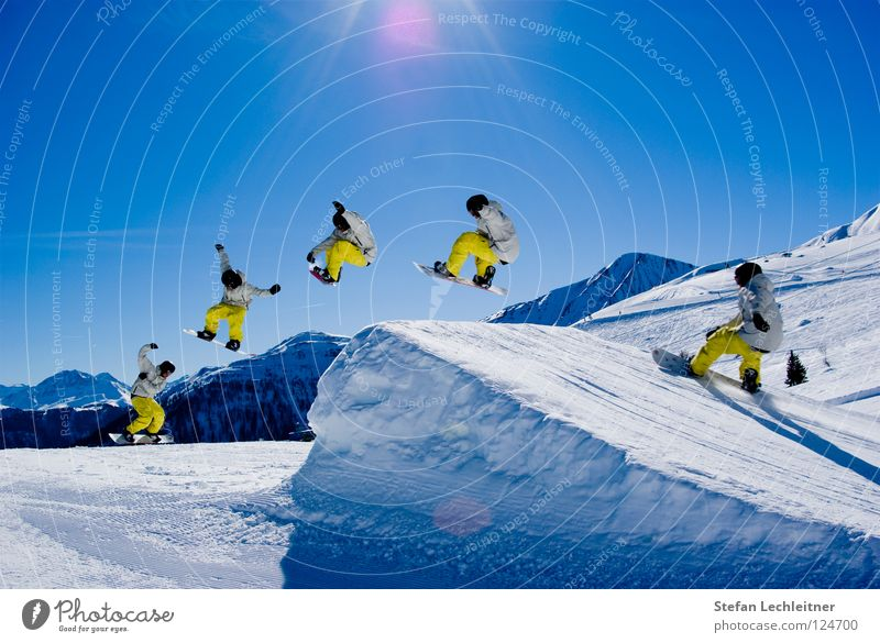 BigAir II Fiss Ladis Österreich Winter Show Freestyle Snowboard Freizeit & Hobby Winterurlaub Außenaufnahme Risiko gewagt Bundesland Tirol Klarer Himmel Reihe