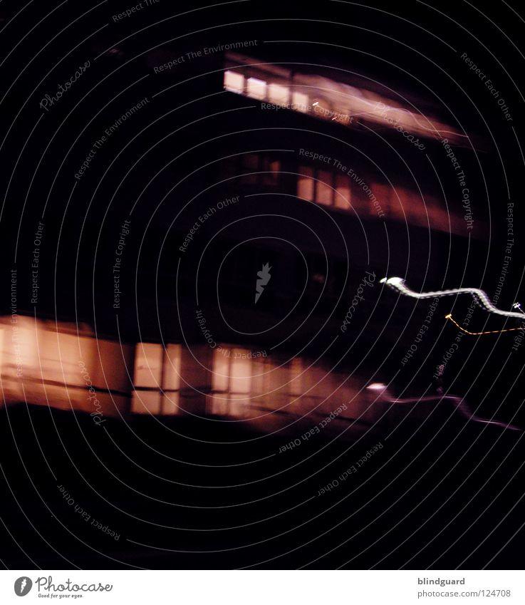 Ghosthouse weiß Haus Farbe Lampe Leben dunkel Arbeit & Erwerbstätigkeit Bewegung grau Linie hell Beleuchtung Verkehr Geschwindigkeit modern Häusliches Leben