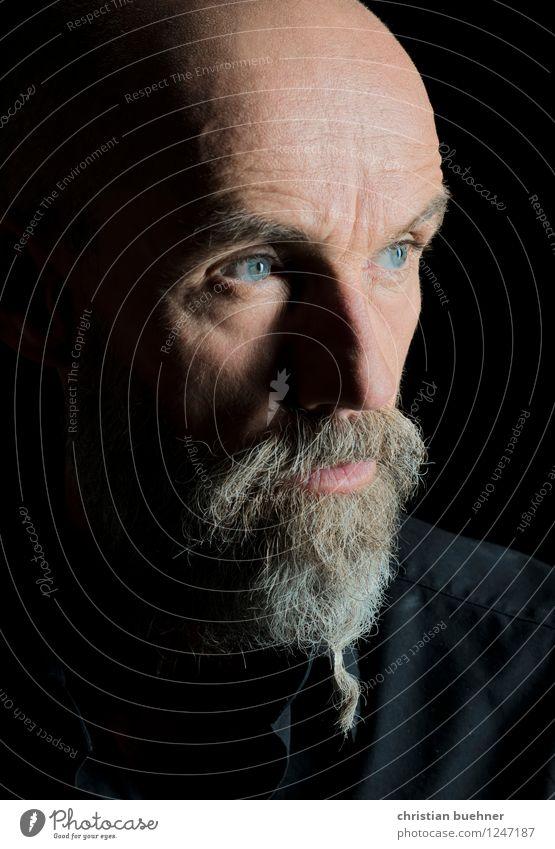 blue eyes Mensch Mann Einsamkeit kalt Erwachsene Traurigkeit Senior außergewöhnlich Kindheit authentisch gefährlich tief Mut eckig Aggression Künstler