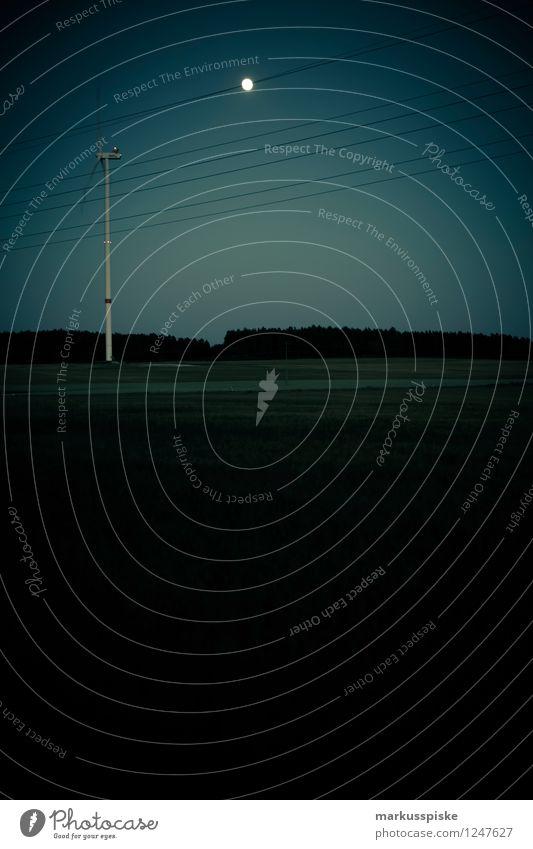 windenergie bei nacht Landschaft dunkel Wiese Horizont Business Arbeit & Erwerbstätigkeit Energiewirtschaft Feld Technik & Technologie Klima Zukunft