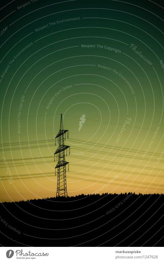 strom energie leitung Sommer Landschaft dunkel Wald Wiese Business Arbeit & Erwerbstätigkeit Energiewirtschaft Feld Technik & Technologie Zukunft Elektrizität