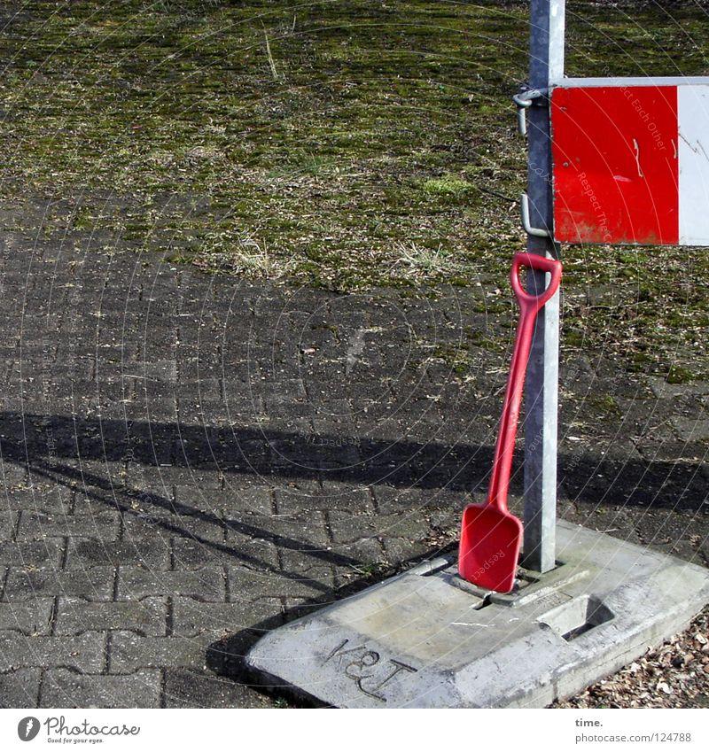 Arbeit fertig, sagt Lukas rot Freude Arbeit & Erwerbstätigkeit Beton Baustelle Spielzeug Handwerk Barriere Bauarbeiter Schaufel Signal Arbeiter Halterung