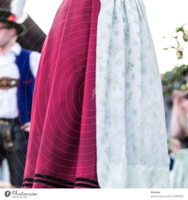 's Dirndl im Dirndl Mensch Jugendliche blau Junge Frau rot Junger Mann feminin Feste & Feiern maskulin Tanzen Jahrmarkt Rock Oktoberfest Tracht Lederhose