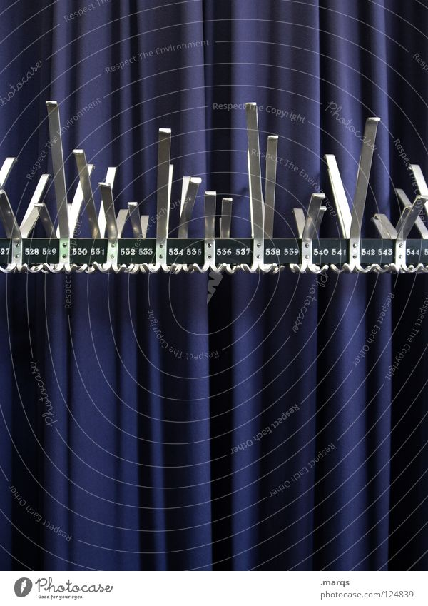 527-545 weiß blau Metall glänzend Dekoration & Verzierung Show Stoff Konzert Veranstaltung Falte Theater Kino Vorhang silber hängen aufhängen