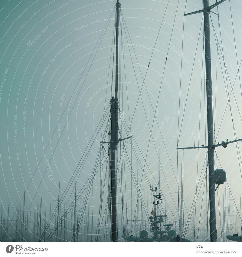 NEBEL II Wasser ruhig Ferne Erholung Wasserfahrzeug gehen Nebel Wassertropfen Seil schlafen liegen Perspektive Pause Hafen Aussicht Segeln