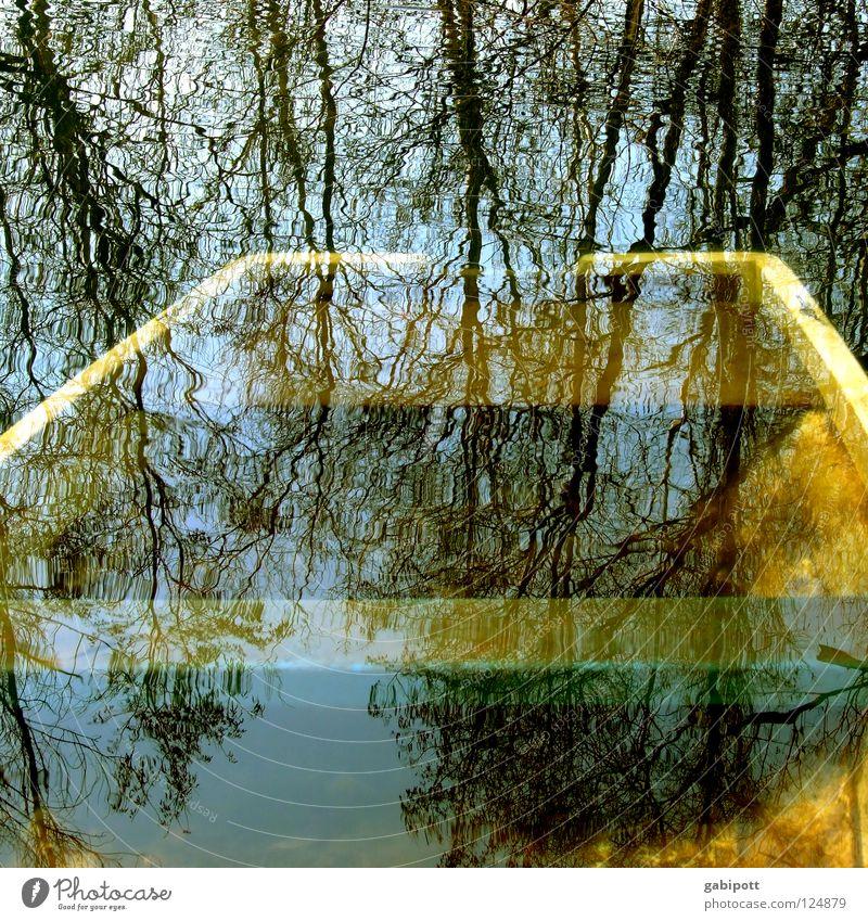 versunken See Waldsee Teich Sumpf Algen Wasserfahrzeug Angeln untergehen vergangen kentern Vergangenheit Baum Reflexion & Spiegelung träumen unbewusst