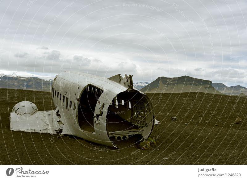 Island Umwelt Natur Landschaft Luftverkehr Flugzeug Flugzeugwrack alt außergewöhnlich bedrohlich dunkel kalt wild Stimmung Angst Flugangst gefährlich Abenteuer