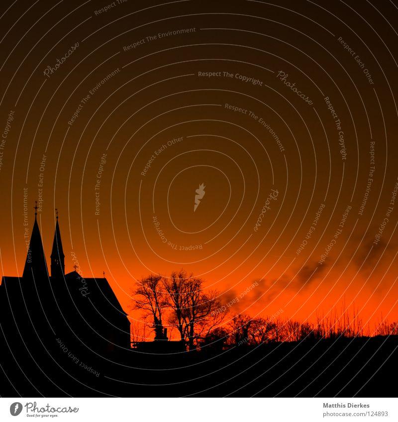 Church schön alt Himmel Baum Sonne blau Stadt rot Freude schwarz Wolken Ferne Herbst Gebäude Denken Wärme