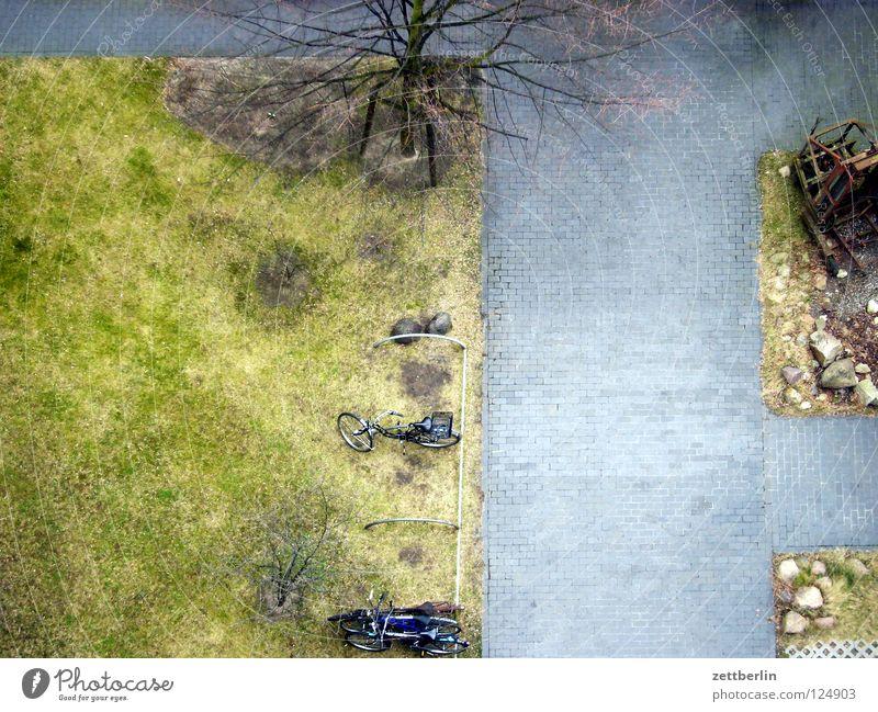 Konkurrenz grün Wiese Wege & Pfade Erde Rasen Oberfläche Hinterhof Grundriss überblicken Vogelperspektive Treptow Hofgrün